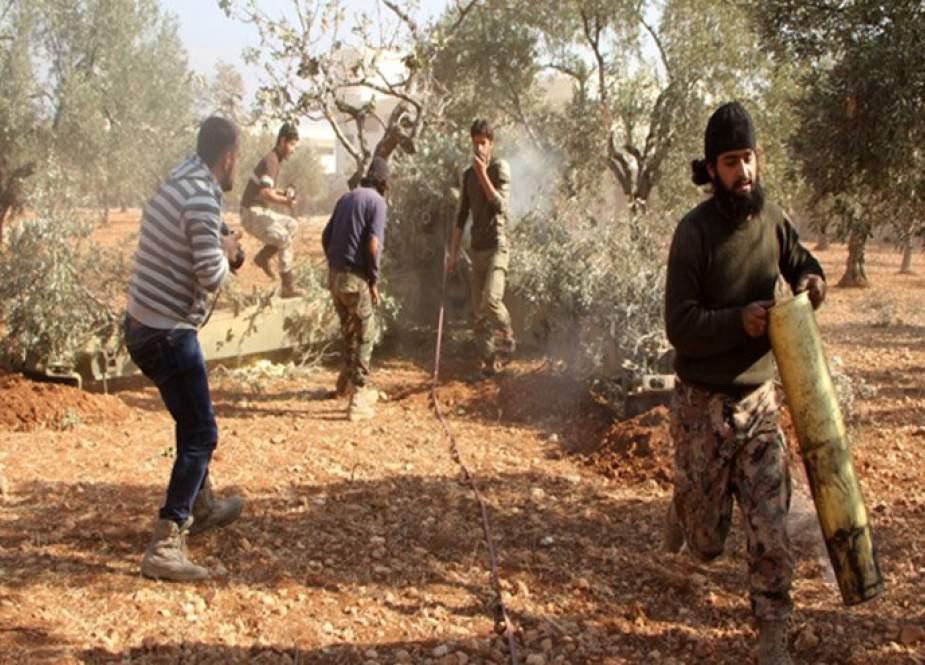 مسلحون يعتدون بالقذائف على محيط قرية بريف اللاذقية