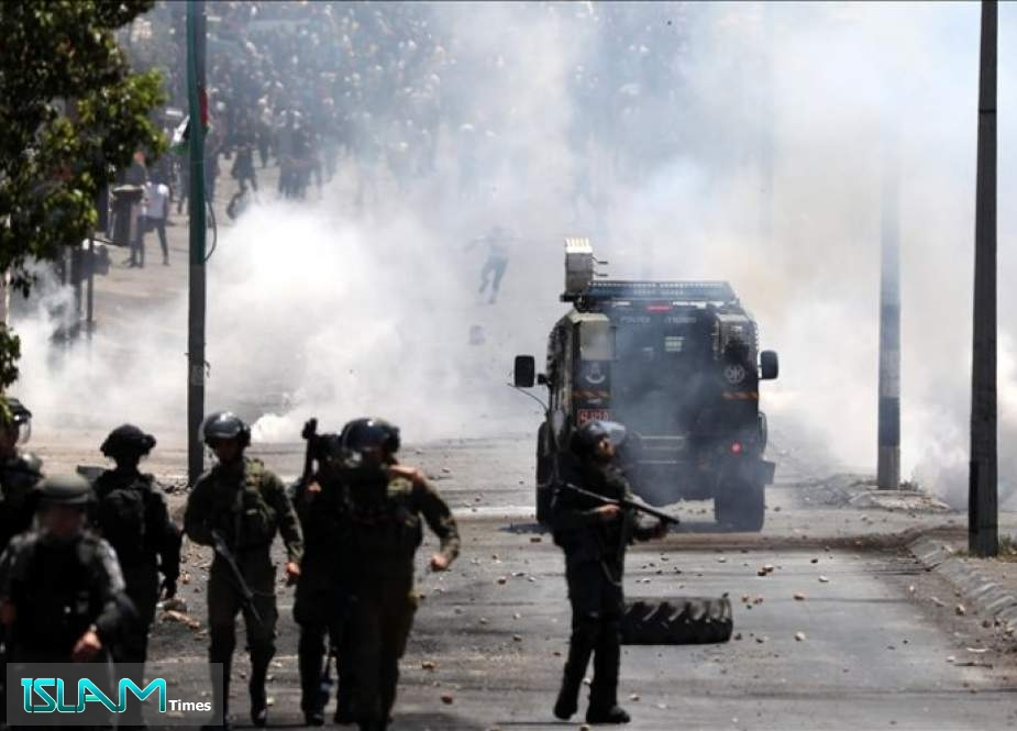 مواجهات بين شبان فلسطينيين وجيش الاحتلال جنوبي الضفة