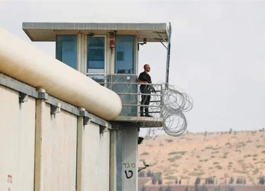 Pasukan Israel Menangkap Lebih Banyak Kerabat Setelah Pembobolan Penjara Palestina