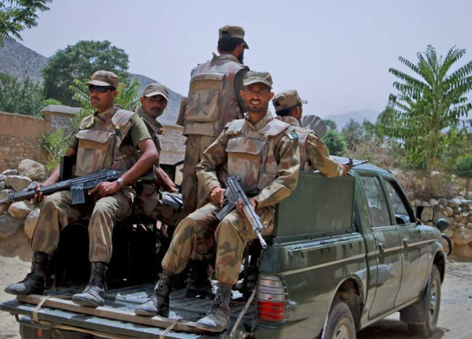 بلوچستان میں ایف سی کے قافلے پر دہشتگردوں کا حملہ، 2 اہلکار شہید