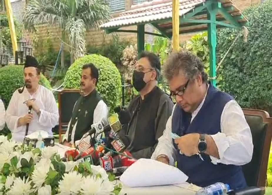کراچی گرین لائن منصوبہ مکمل ہوچکا، بسیں اکتوبر میں چلے گی، اسد عمر