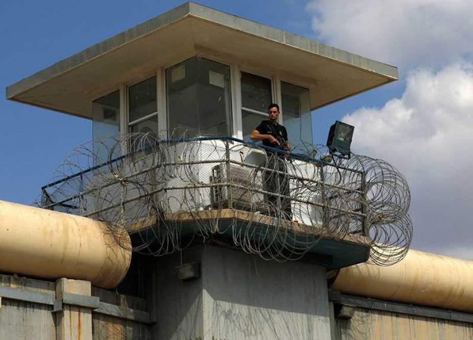 Gilboa Prison, lookong for blacksheep.jpg