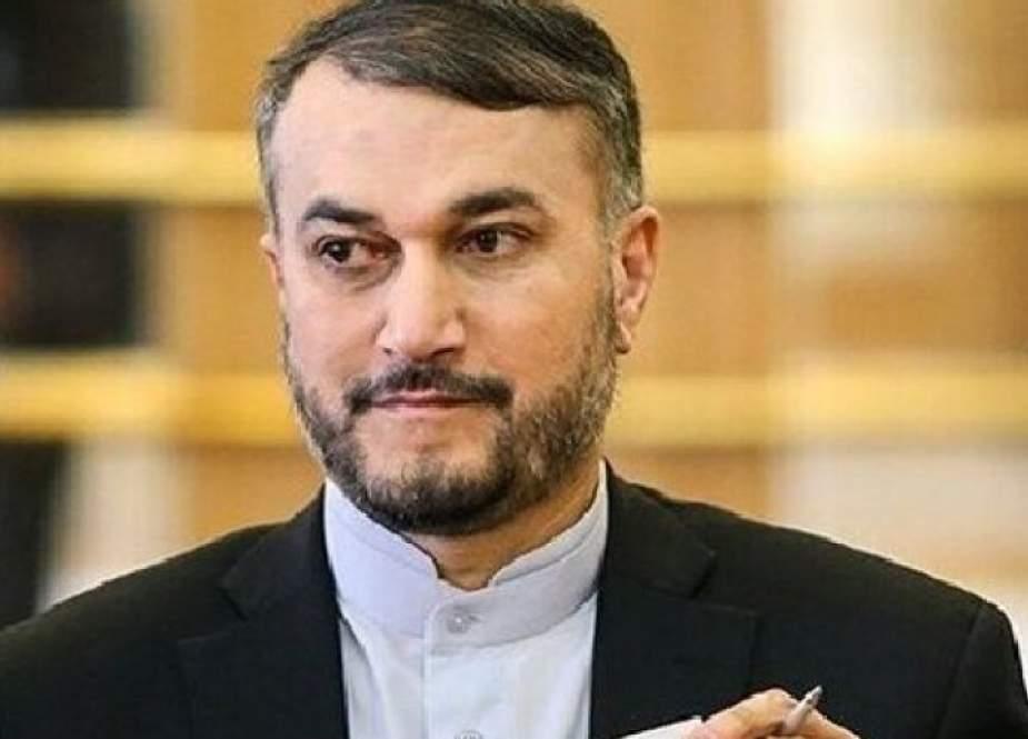 وزير الخارجية الايراني يتلقى برقيات تهنئة من وزراء خارجية 4 دو