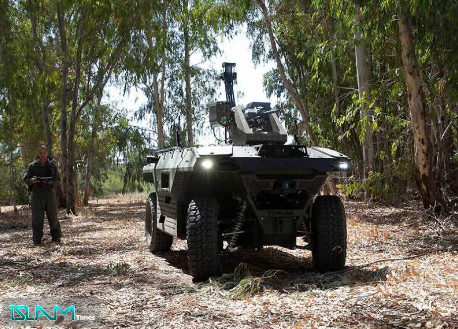 'Israeli' Firm Unveils Remote-controlled Armed Robot to Patrol Battle Zones