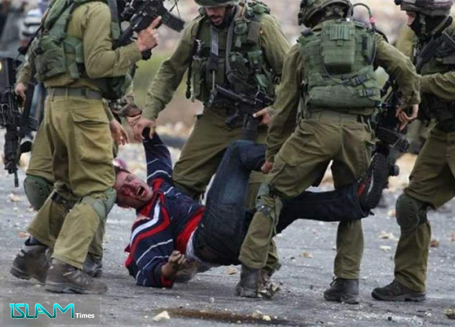 'Israeli' Occupation Forces Detain Dozens of Palestinians in Overnight Raids