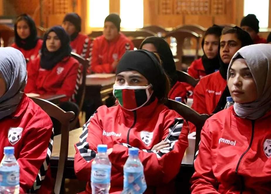"""Talibandan """"qaçan"""" Əfqanıstan qadın futbol komandası Pakistana keçib (FOTO)"""