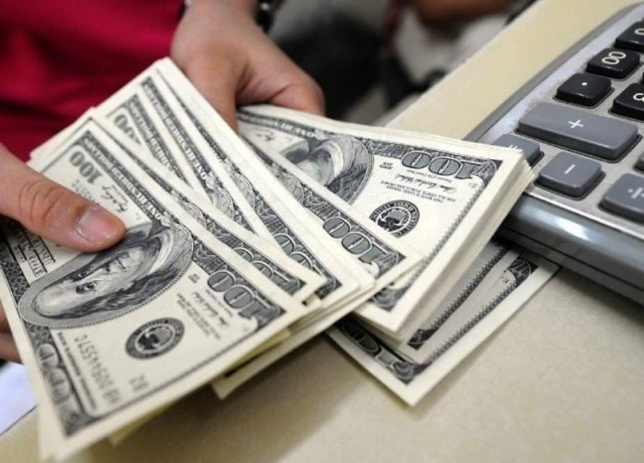 پاکستانی کرنسی تنزلی کا شکار، ڈالر کی قدر تاریخ کی نئی بلند ترین سطح پر