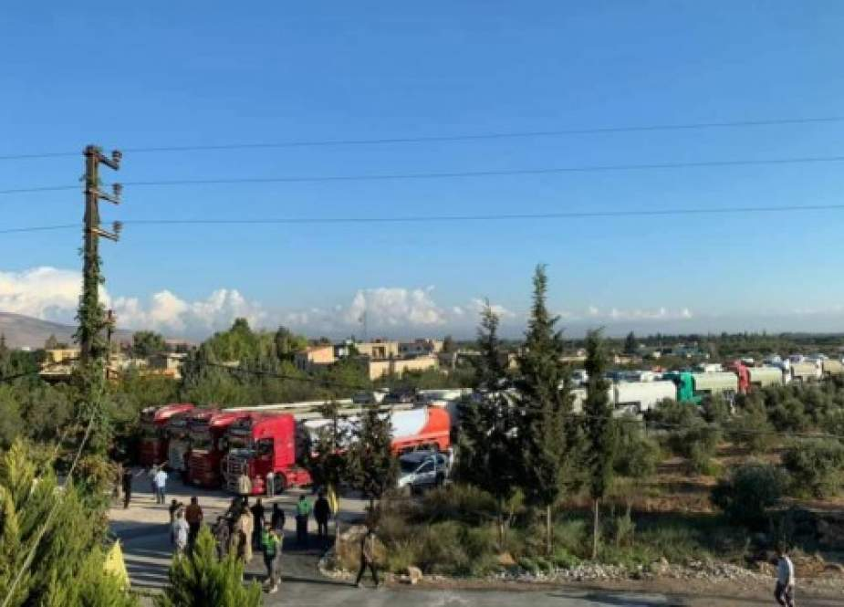 Tankers carrying Iranian fuel as they arrive in Al-Qaa town near Baalbeck.jpeg