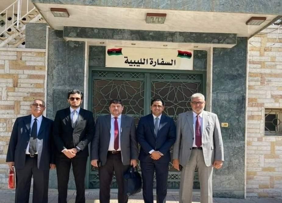 ليبيا تقيّم أوضاع سفارتها بدمشق تمهيدا لممارسة مهامها