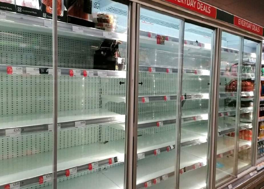 İngiltərədə qıtlıq: vitrinlər boşaldı, 45 restoran bağlandı