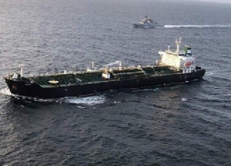 İranın 3-cü tankeri Livana yola düşdü