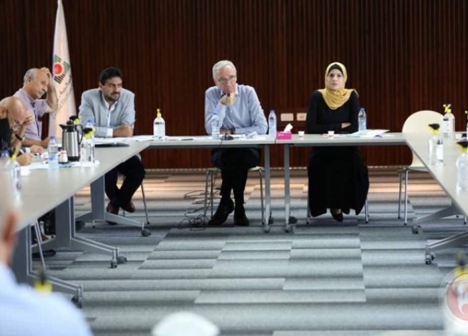 فلسطين.. لجنة الانتخابات تجتمع مع ممثلي الفصائل في الضفة