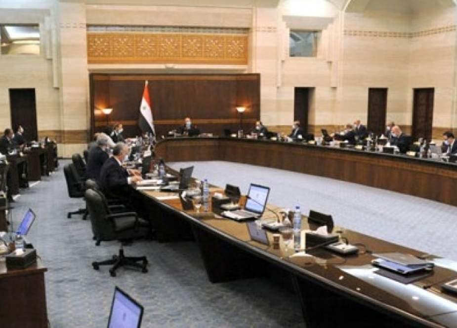 الحكومة السورية تؤكد العمل على تحسين وضع الكهرباء