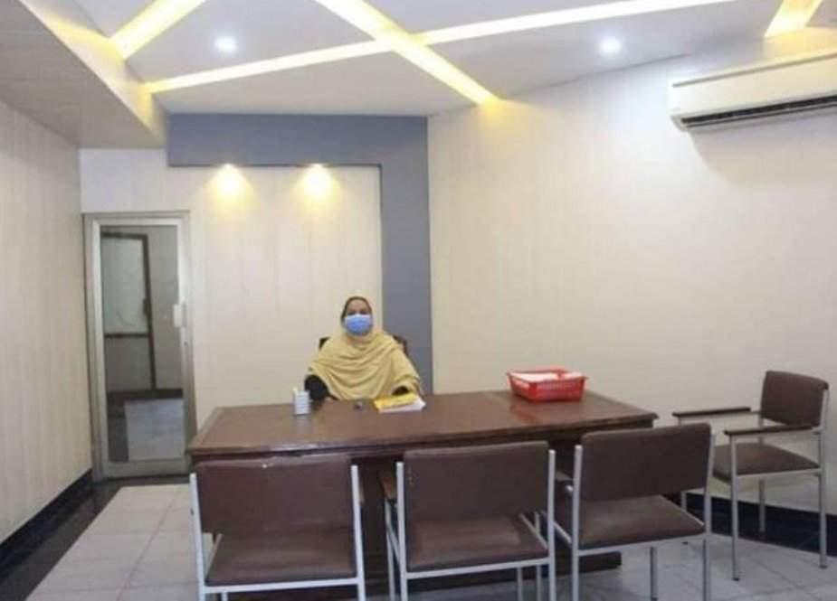 پشاور کے تھانوں میں خواتین محرروں کی تعیناتی کا فیصلہ