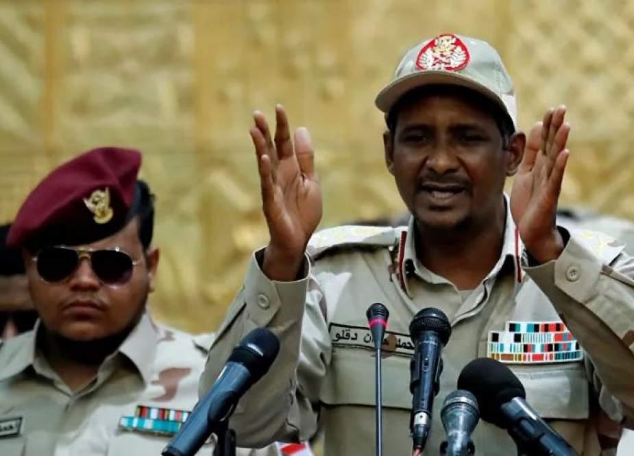 حميدتي: السياسيون سبب الانقلابات في السودان