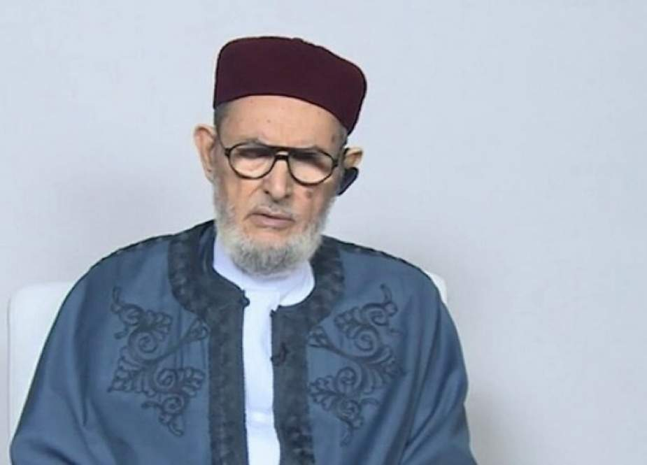 مفتي ليبيا يدعو للتظاهر وإسقاط البرلمان