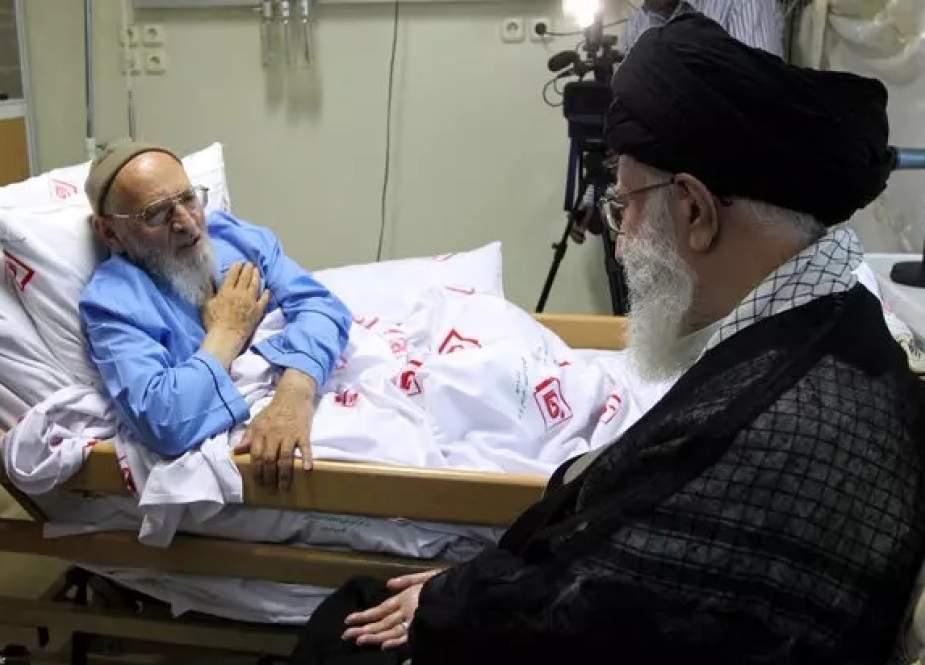 قائد الثورة يعزي بوفاة العالم الإيراني آية الله حسن زادة آملي