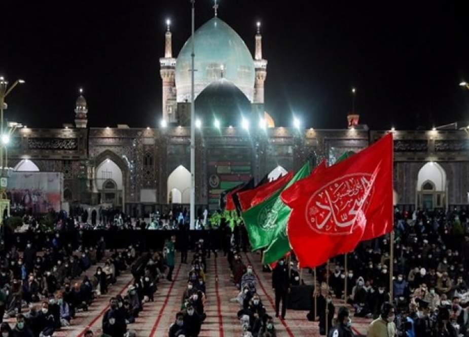 العتبة الرضوية المقدسة تكتسي حزنا بيوم الأربعين الحسيني