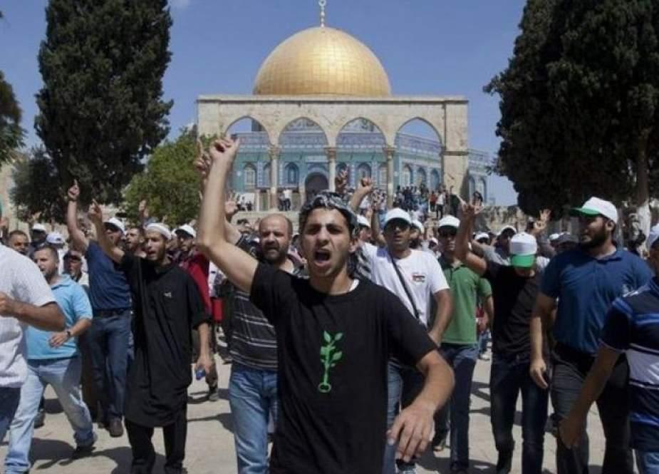 دعوات لشد الرحال للمسجد الأقصى والرباط فيه