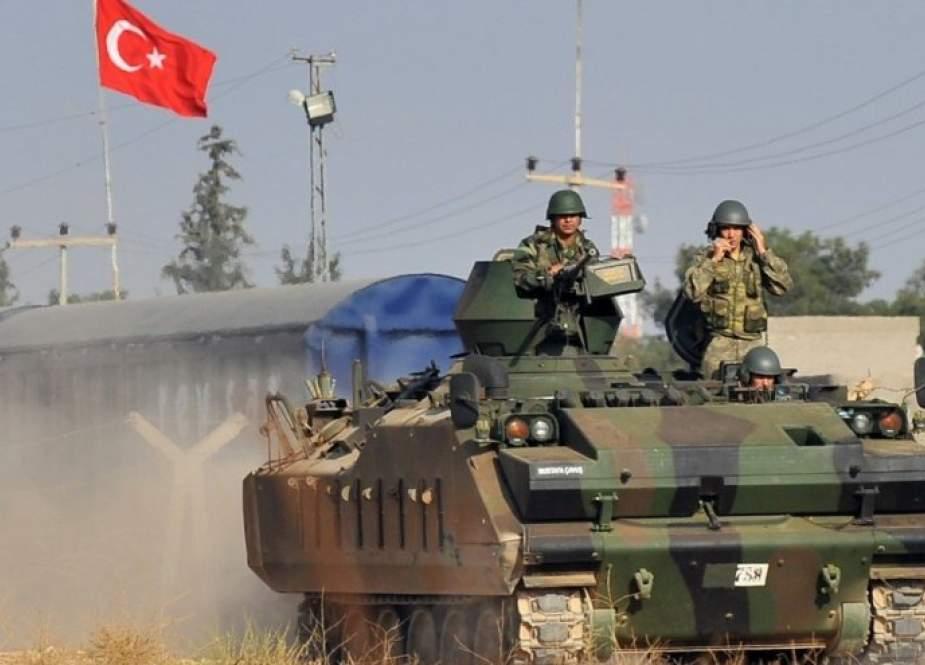 تركيا تحشد قواتها في جبل الزاوية قبيل قمة أردوغان مع بوتين