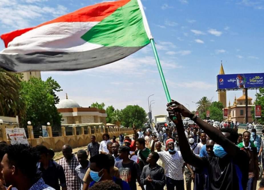 لليوم الثاني.. مظاهرات بالخرطوم تطالب بحكم مدني
