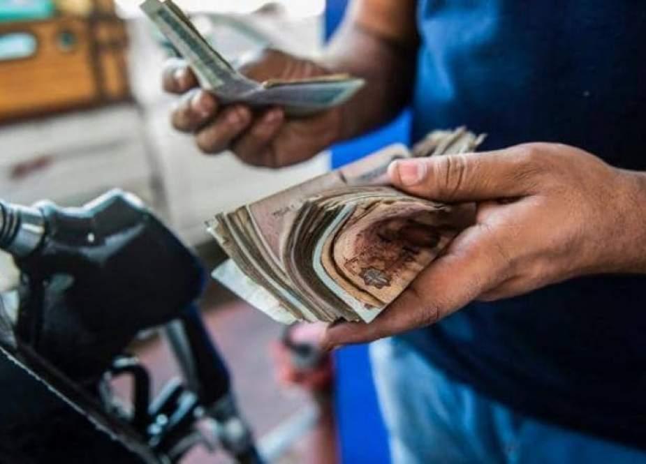 الحكومة المصرية ترفع سعر الوقود