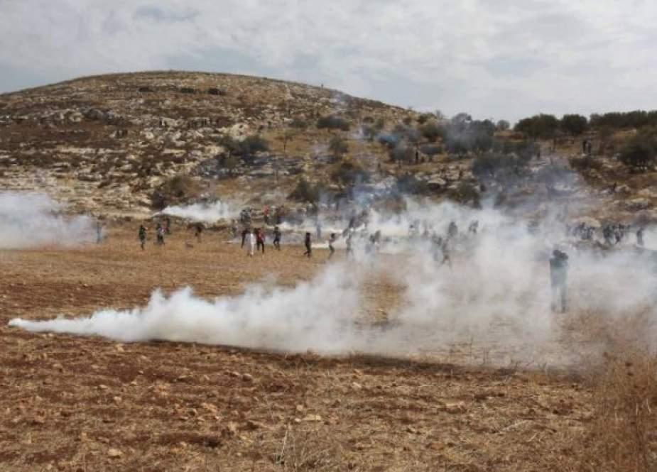 إصابات بقمع الاحتلال لمسيرات بالضفة والقدس