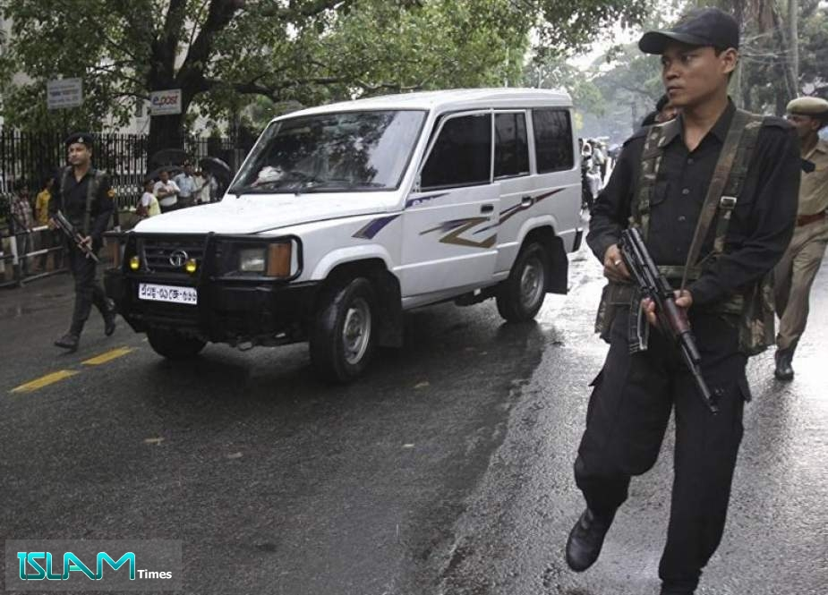 Indian Police Detain Hundreds amid Violence in Kashmir