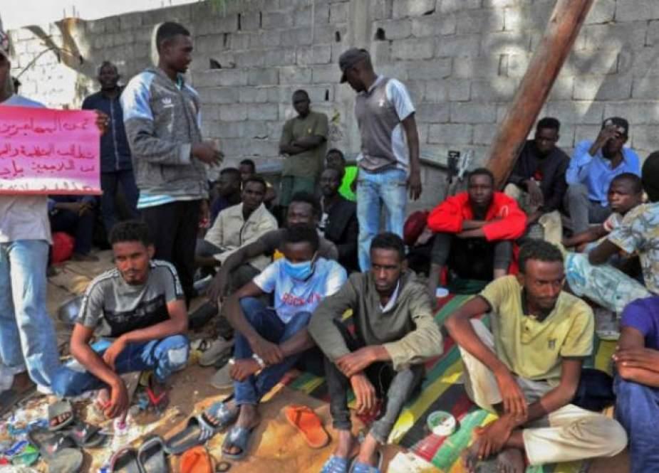 تظاهرة لمئات المهاجرين في العاصمة الليبية لليوم العاشر على التوالي