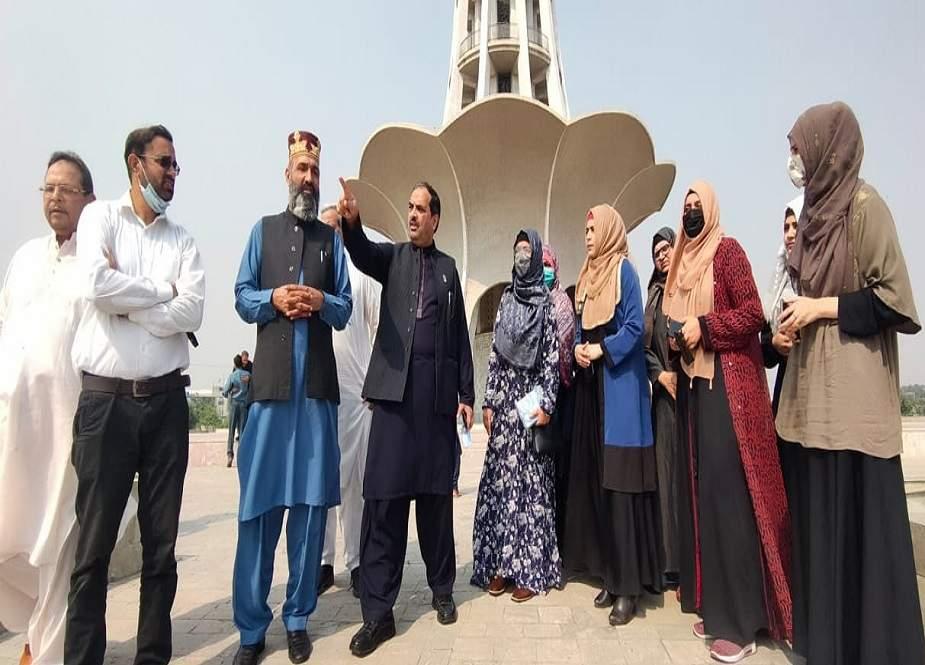 عالمی میلاد کانفرنس، منہاج القرآن کے رہنماوں کا دورہ مینار پاکستان، پنڈال کا جائزہ لیا