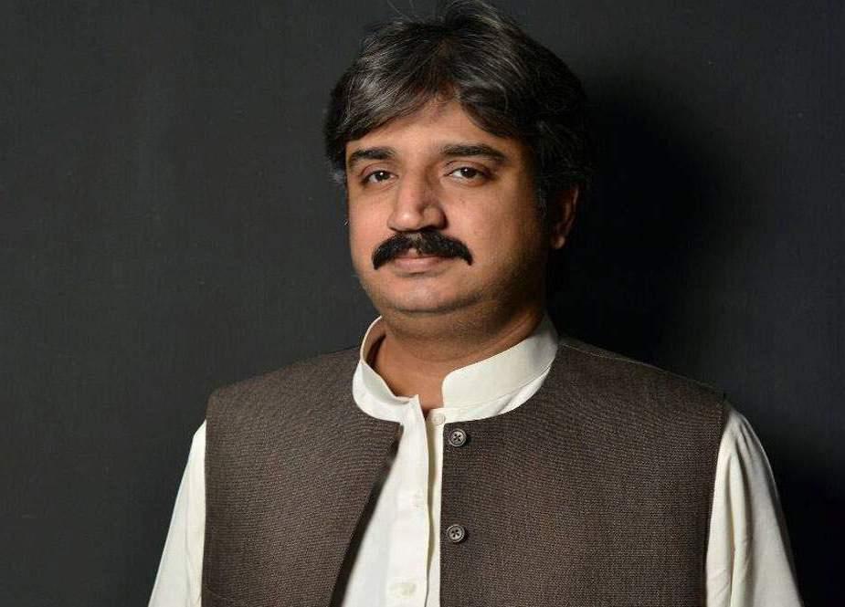 سندھ حکومت کا کراچی میں انٹرا سٹی بس منصوبہ جلد شروع کرنے کا اعلان