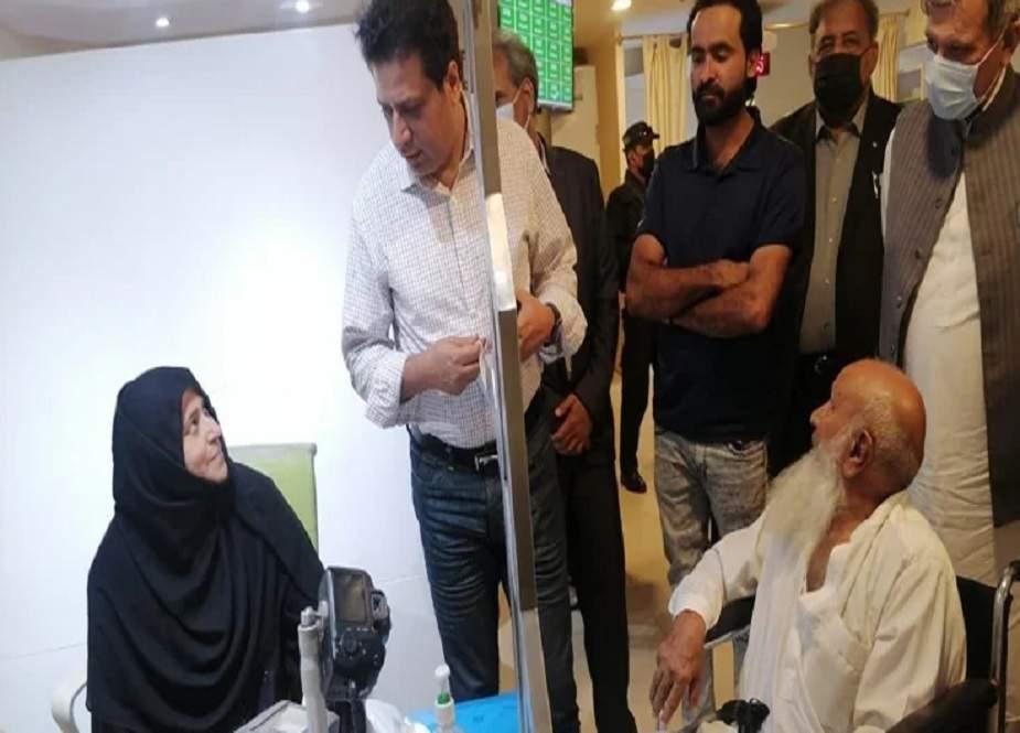 کراچی میں نادرا دفاتر کے باہر سرگرم ایجنٹ مافیا کے خلاف کریک ڈاؤن کا حکم
