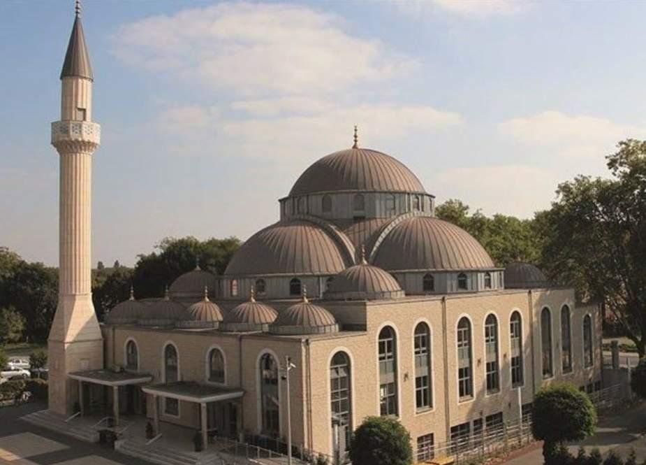 جرمنی میں نماز جمعہ کی اذان لاؤڈ اسپیکر پر دینے کی اجازت