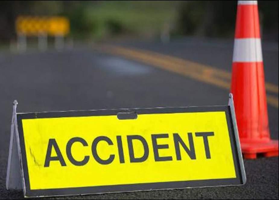 سکردو سے گلگت جانے والی سیاحوں کی گاڑی کو حادثہ، 12 زخمی
