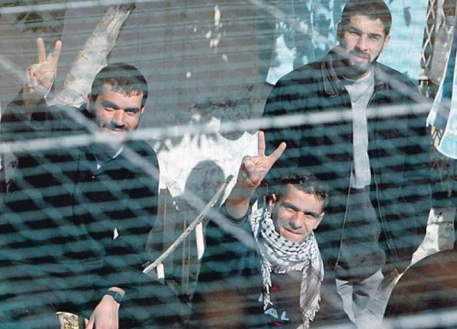 الأسرى الفلسطينيين والإضراب عن الطعام؛ الأبعاد والتحديات
