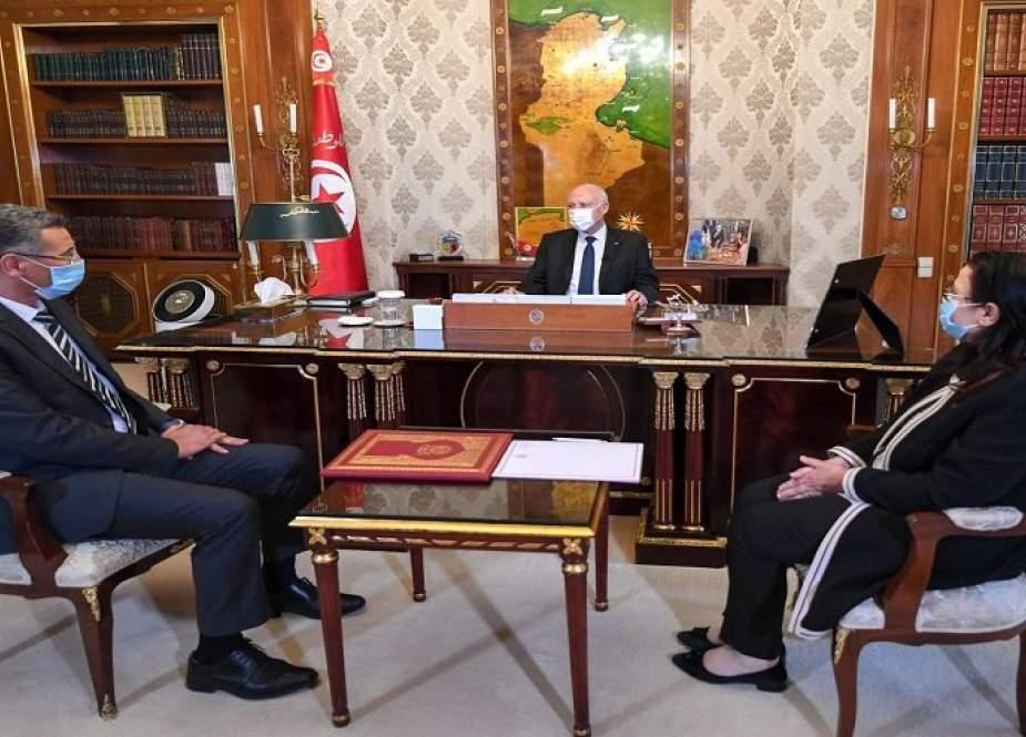 الرئيس التونسي يتوعد مجددا بفتح جميع الملفات دون استثناء