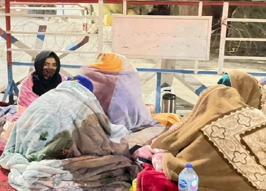 کوئٹہ، ریڈ زون کے باہر بچوں کی میتوں کے ہمراہ ورثاء کا دھرنا جاری