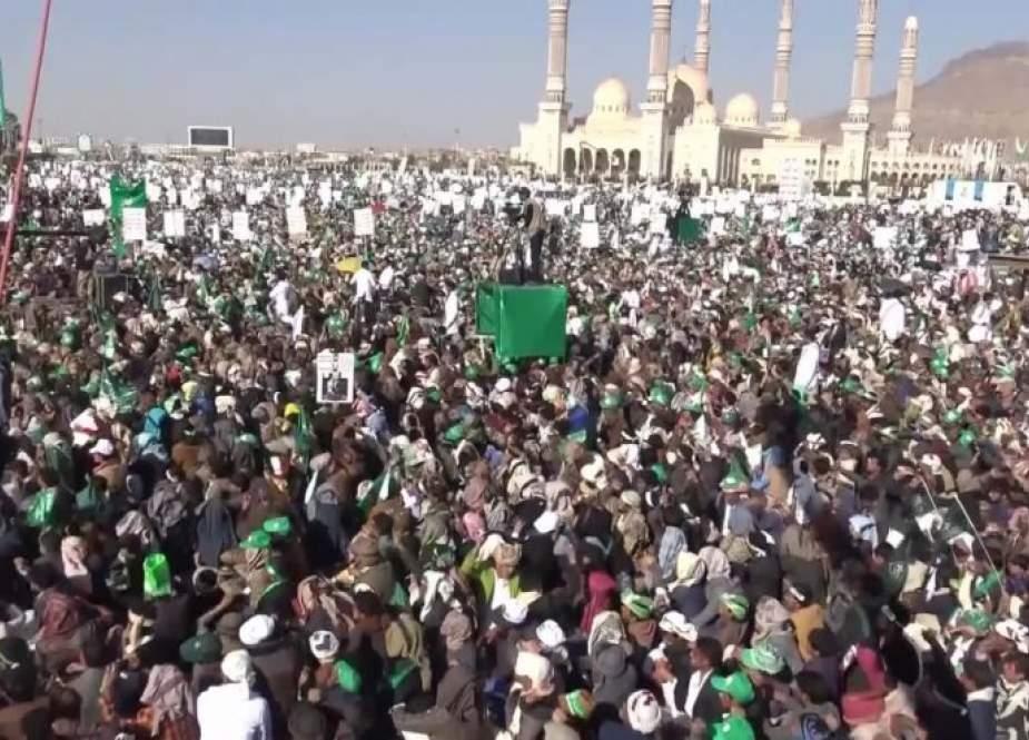 اليمنيون يحييون المولد النبوي الشريف