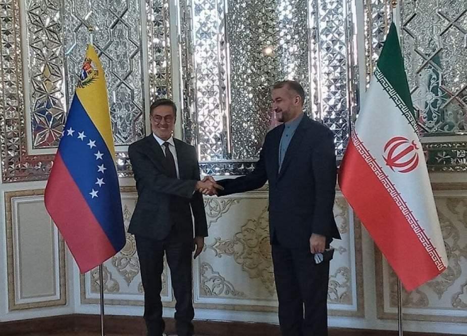 ما هي أبعاد أهمية زيارة وزير الخارجية الفنزويلي لإيران؟