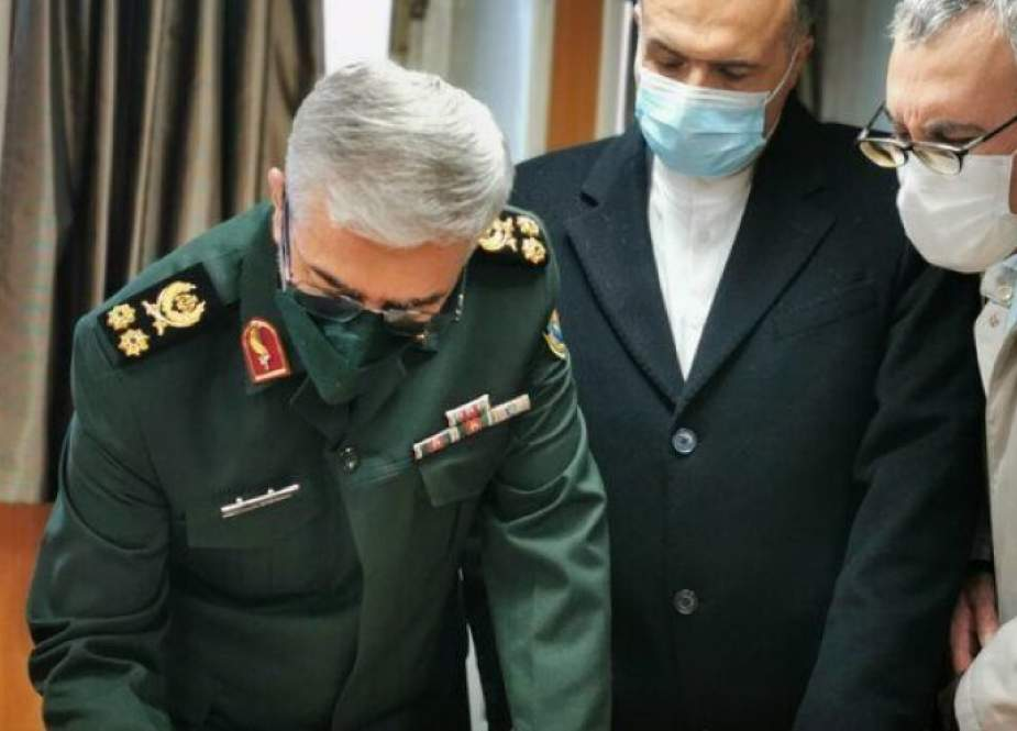 رئيس الأركان الإيرانية يأمل بتطوير التعاون البحري مع روسيا