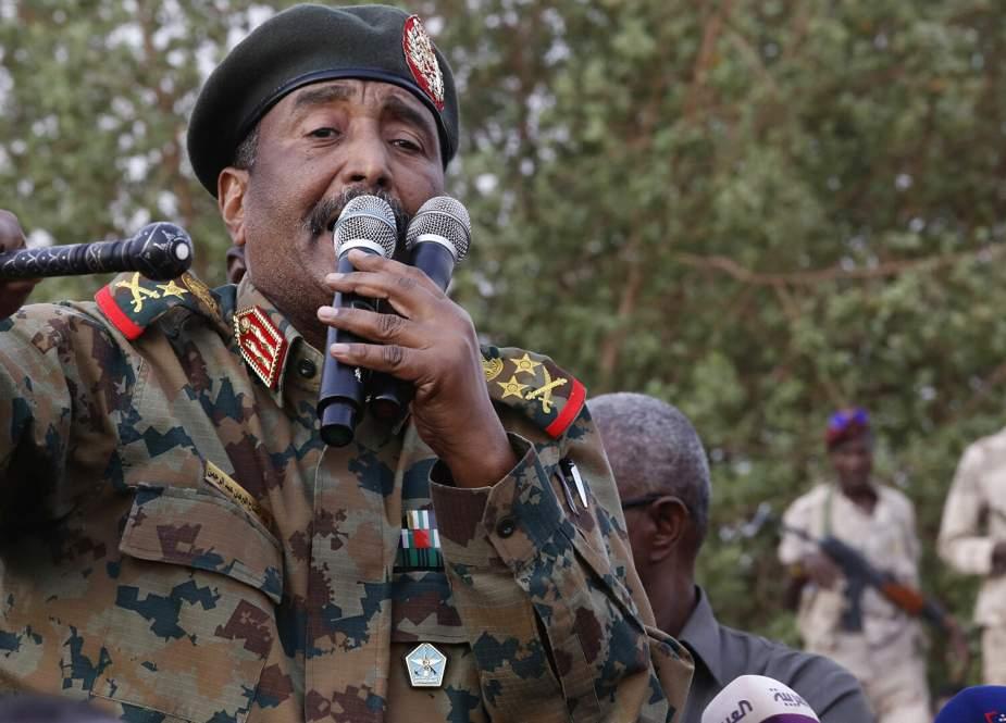 Kepala Dewan Kedaulatan Burhan Nyatakan Keadaan Darurat di Sudan, Pembubaran Pemerintah
